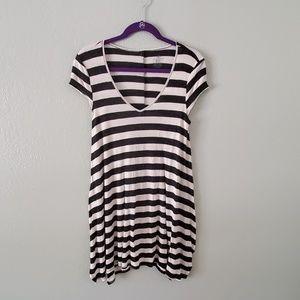 Tunic tshirt dress Volcom handkerchief hem M
